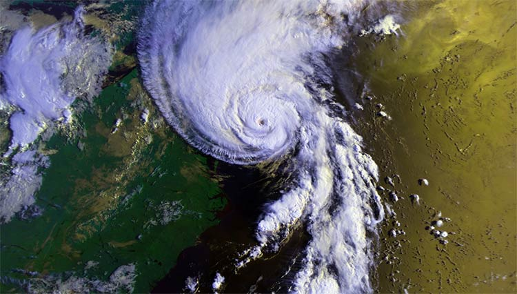 NOAA image showing Hurricane Bob (1991) approaching New England on August 19